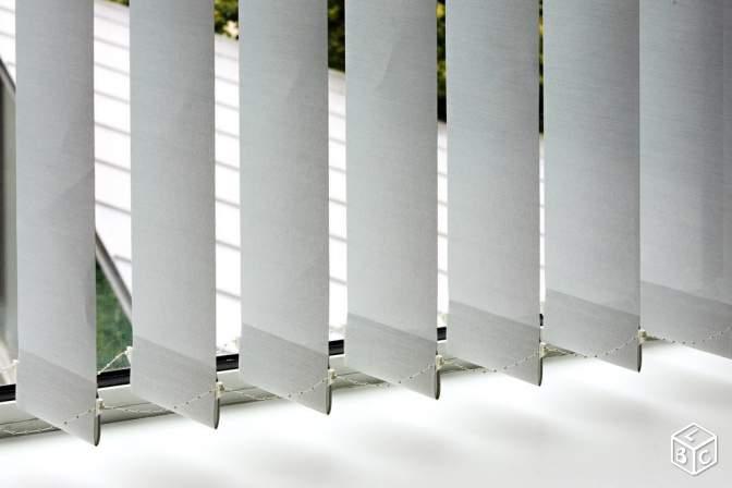 store lamelles verticales sur mesure meubles et. Black Bedroom Furniture Sets. Home Design Ideas